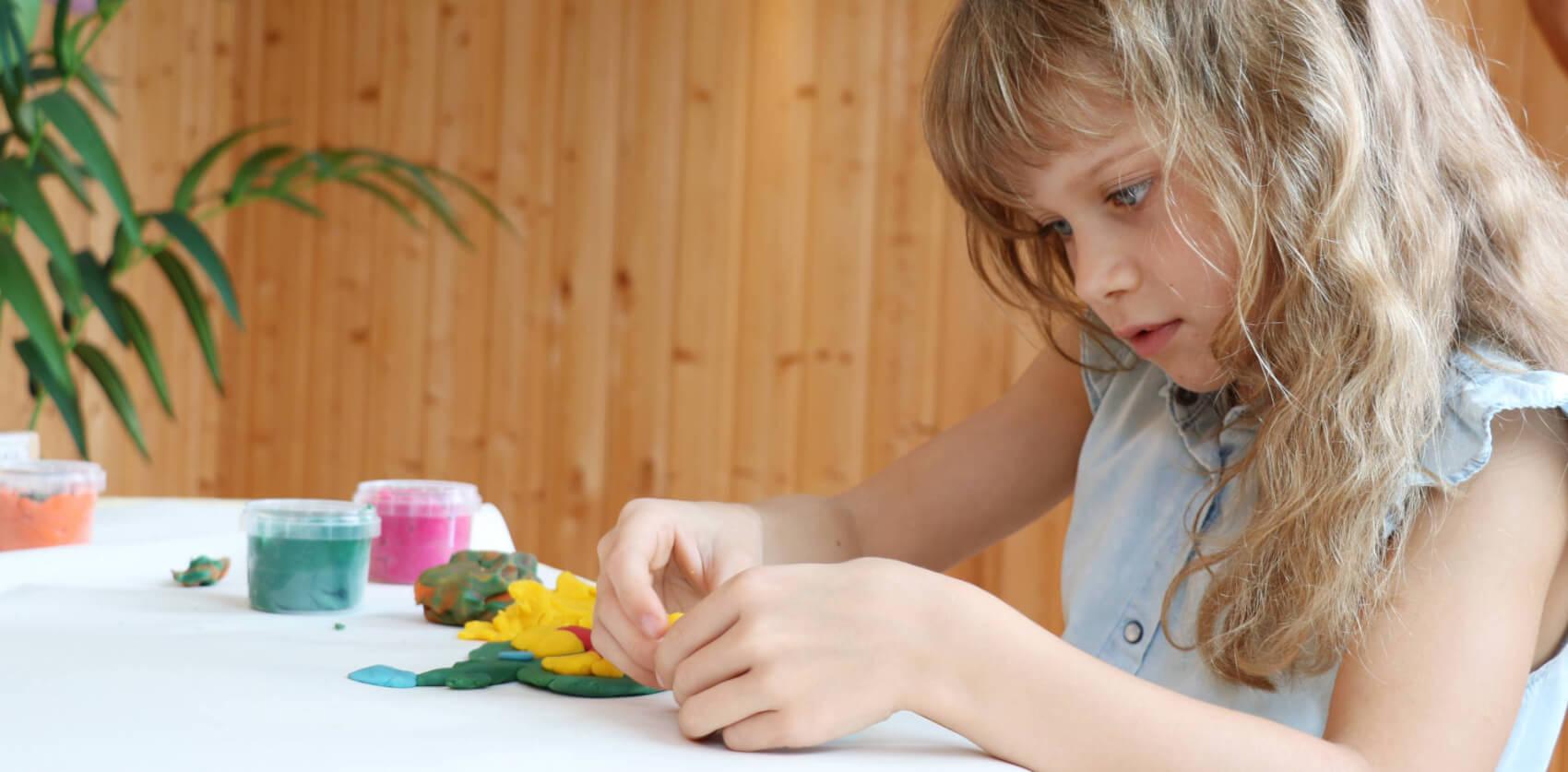Kinder beschäftigen: Basteltipps gegen Langeweile zu Hause