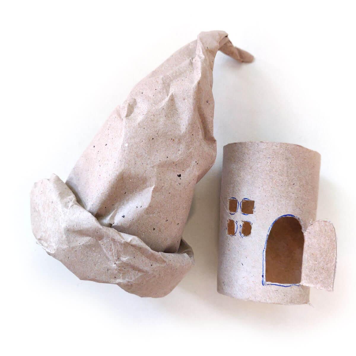 Märchenhaus aus Karton
